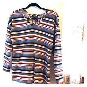 Long Sleeve, Boutique Top, Cute Back Detail